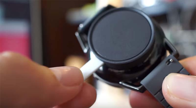 Fossil Q Control – красивые стильные смарт часы, но, к сожалению, это все его плюсы