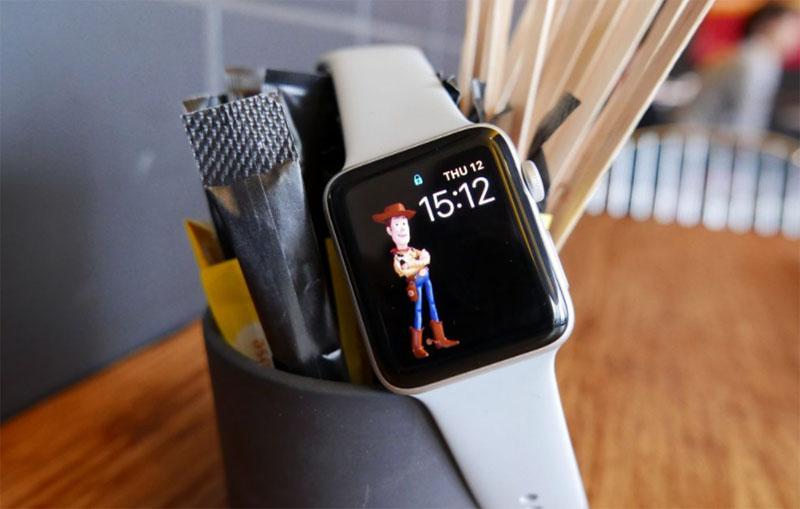 Apple Watch Series 3 (Лучшие умные часы для iPhone)