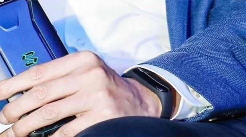 Xiaomi опубликовала первый официальный тизер Mi Band 3