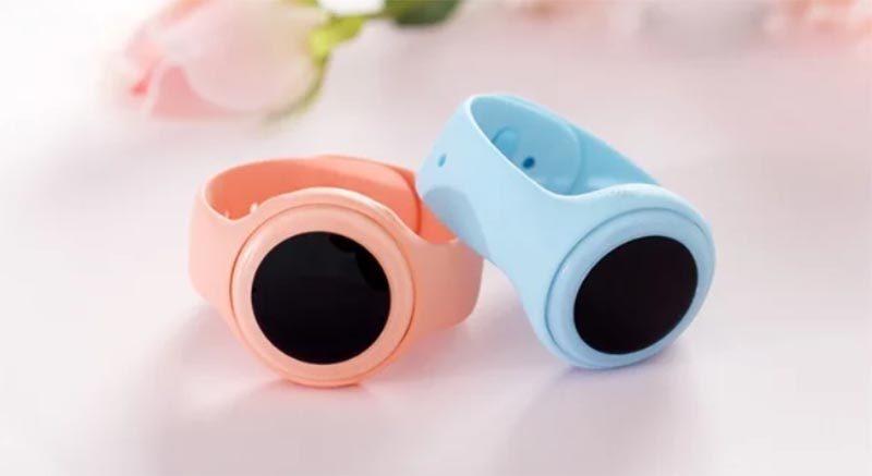 Xiaomi выпустила новые детские наручные часы, получившие не детское название Xiaomi Mi Bunny Children Phone Watch 2C. По сути это доработанная модель Mimi Children, с таким же стилем и дизайном и усиленной структурой ремешка.