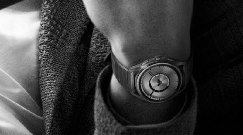 Что добавилось в Emporio Armani Connected 2018? Кроме стильного дизайна, часы получили поддержку NFC-платежей, встроенный модуль GPS и датчик частоты сердечных сокращений. То есть те функции, которых не хватало
