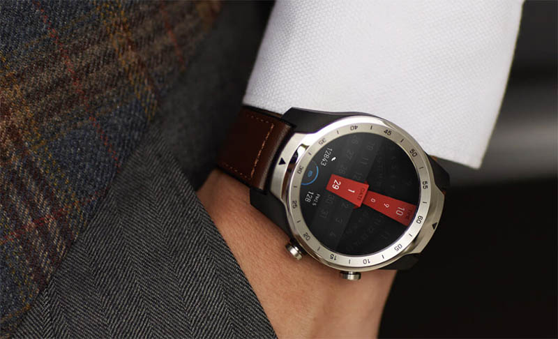 Умные часы с двойным экраном Ticwatch Pro появились в продаже, но пока их могут купить не все желающие