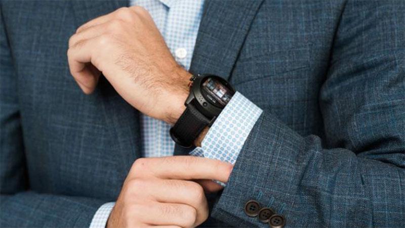 Arrow Smartwatch – умные часы с вращающейся на 360 градусов 5 МП камерой