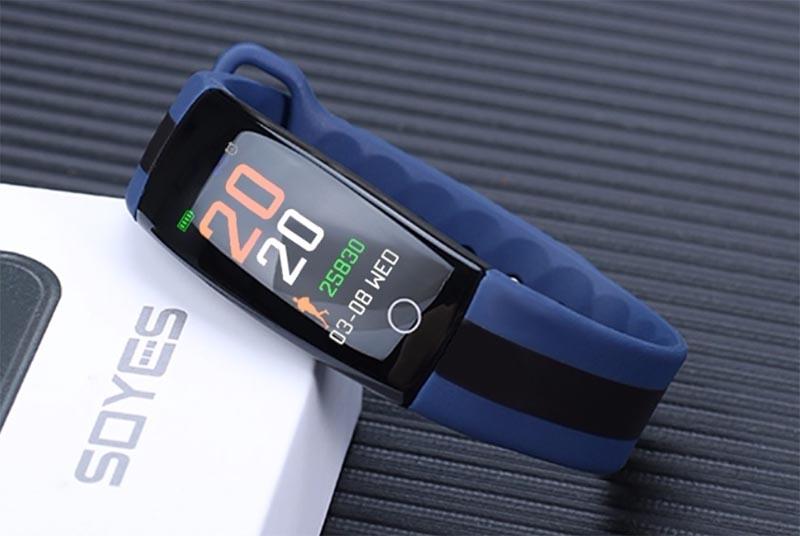 QS01 Sports Smart Bracelet: цветной дисплей и измерение давления по доступной цене