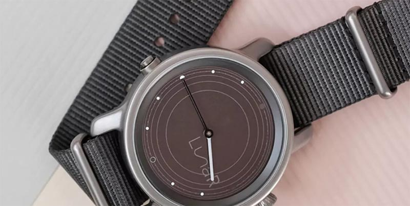 MMT разрабатывает гибридные смарт-часы с солнечной батареей