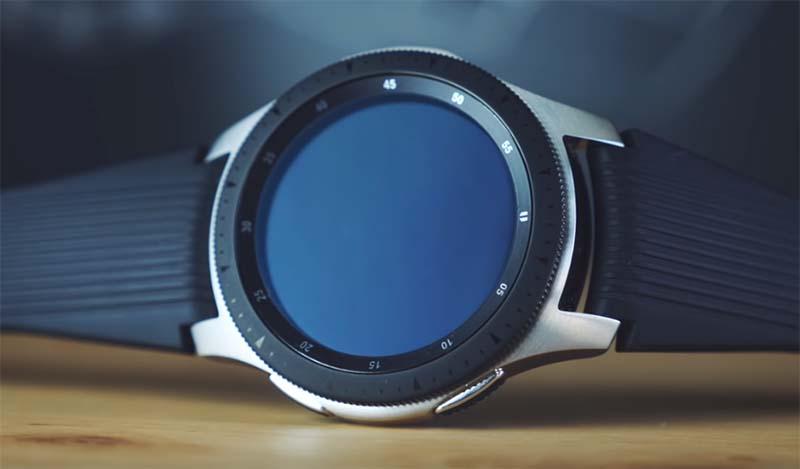Apple Watch Series 4 против Samsung Galaxy Watch: сравнение функций, дизайна и цен