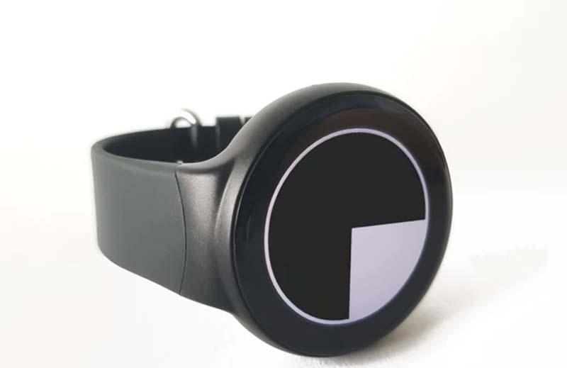 Emit Smartwatch: смарт-часы для ценителей времени