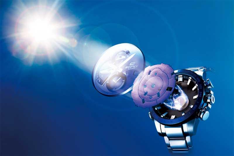 Как работают часы на солнечной батарее?