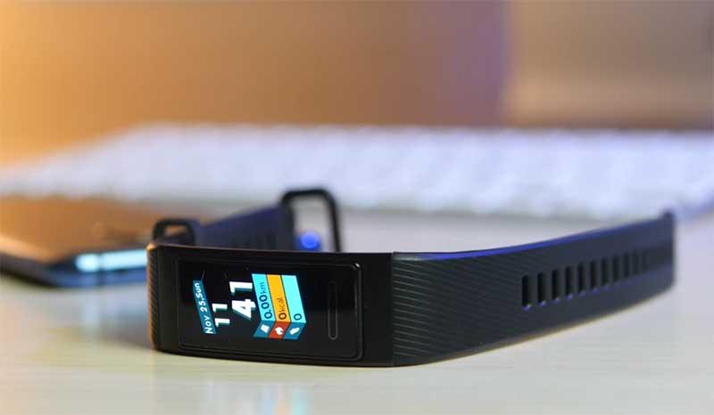 Обзор Huawei Band 3 Pro
