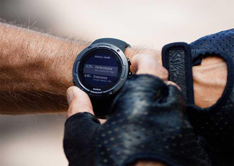 Suunto 5 - компактные спортивные GPS-часы с хорошим временем автономной работы