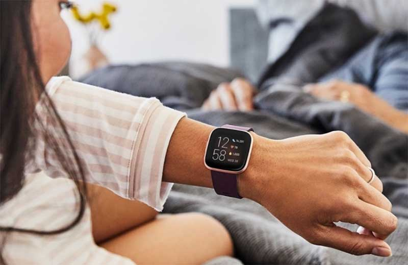 Fitbit выпустила умные часы Versa 2