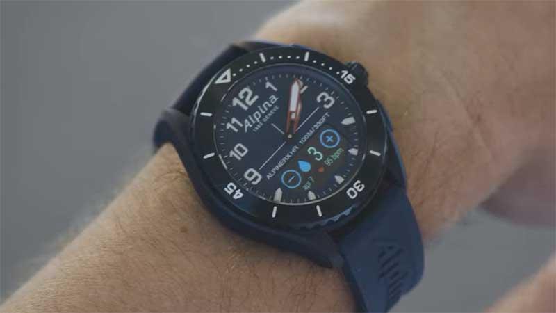 AlpinerX Alive: гибридные смарт-часы швейцарского производства