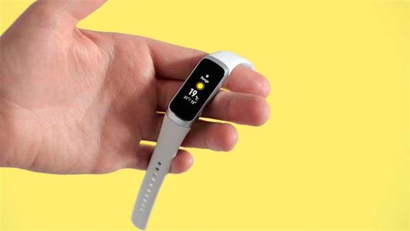 Фитнес-браслет измеряющий пульс под водой