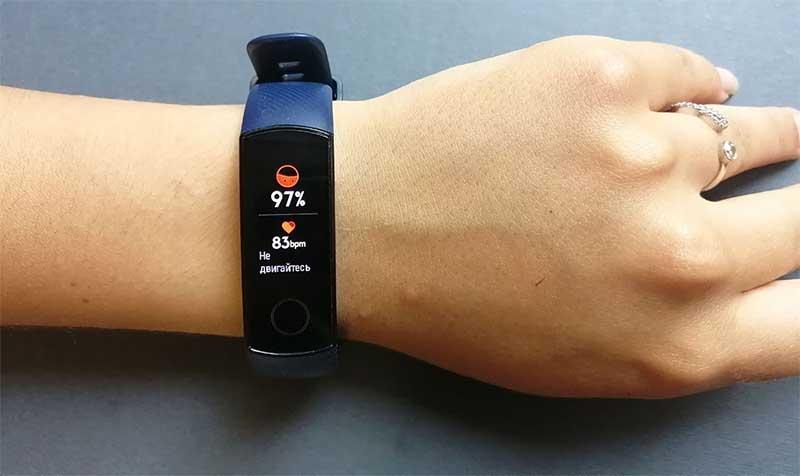 Лучшие пульсоксиметры для контроля кислорода в крови. Фитнес-браслеты и датчики на палец 2