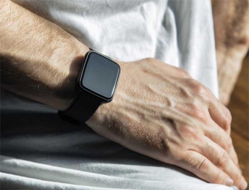 ZTE представила в России свои первые «умные» часы – ZTE Y8