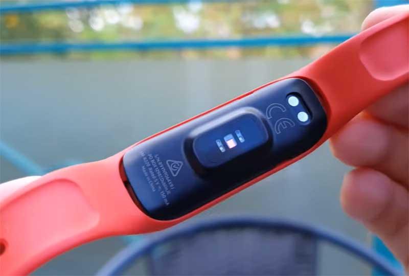 Фитнес-браслет Samsung Galaxy Fit2 поступил в продажу: цена, особенности и подробные характеристики 2