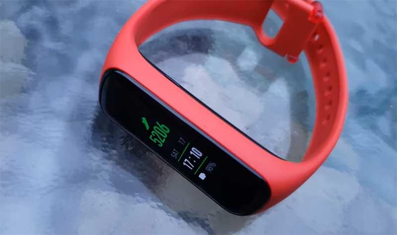 Фитнес-браслет Samsung Galaxy Fit2 поступил в продажу: цена, особенности и подробные характеристики 1
