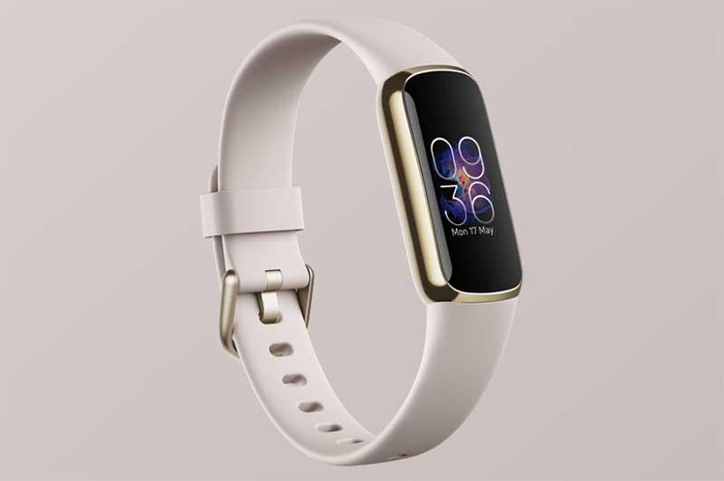 Fitbit выпустила стильный фитнес-браслет Fitbit Luxe за $150 1