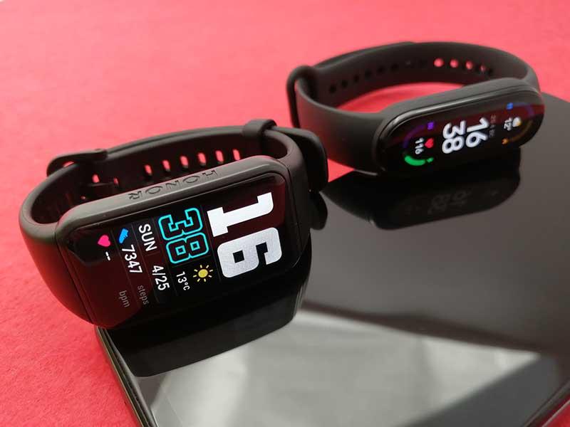 Сравнение фитнес-браслетов Xiaomi Mi Smart Band 6, Honor Band 6 и Huawei Band 6 3