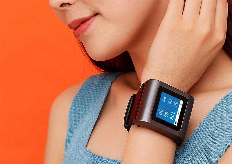 Xiaomi представила часы-тонометр для измерения давления Hipee Smart Blood Pressure Watch 2