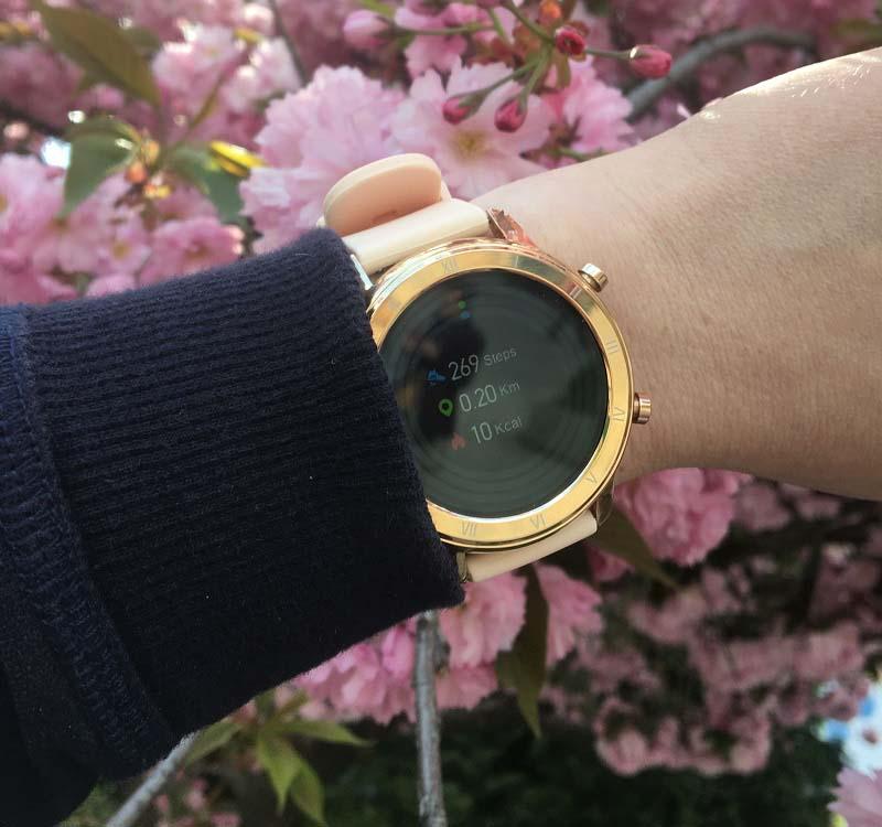 Обзор Jiks Watch: умные часы c функцией измерения кислорода в крови 1